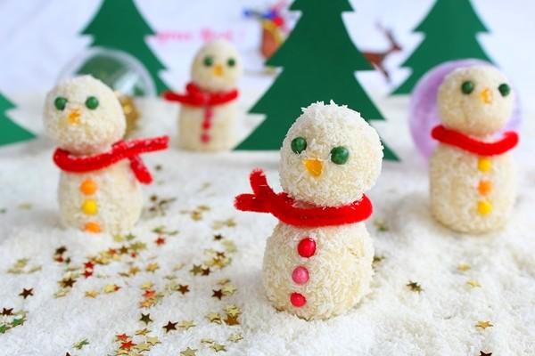 Recette : Bonhomme de neige chocolat blanc et noix de coco